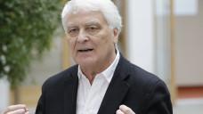 Der Gesundheits-Versorgungsforscher Gerd Glaeske ist der Meinung, dass Grippeimpfstoffe kein gutes Beispiel für die Zwei-Klassen-Medizin sind. (Foto: Imago)