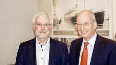 Positionen gewechselt: Kammerpräsident Klaus Scholz (links) und Vizepräsident Dr. Richard Klämbt. (Foto: tmb)