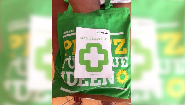 Die Grünen und DocMorris pflegen eine besondere Beziehung. Bei der vorletzten Bundesdelegiertenkonfrerenz der Grünen in Münster war jedem Delegierten-Handout ein DocMorris-Flyer beigelegt. (Foto: Holtmann)