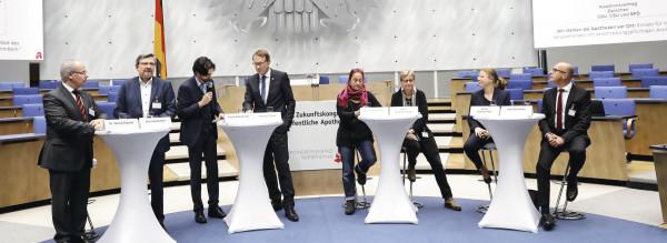 Laumann: Rx nur über öffentliche Apotheken!