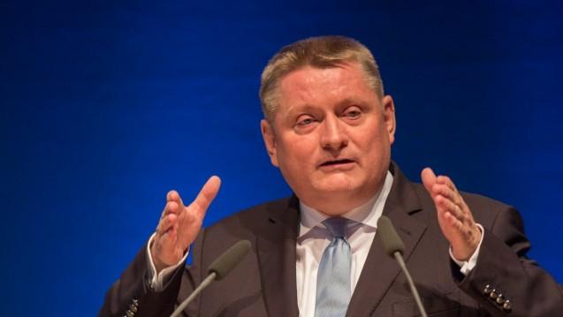 Minister Gröhe will die eGK vorantreiben. (Foto: A. Schelbert)