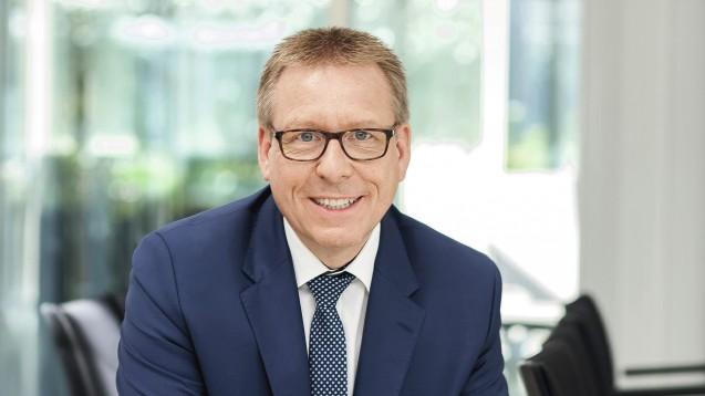 """BAH-Hauptgeschäftsführer Dr. Martin Weiser erklärt im Interview mit der Zeitschrift """"Healthcare Marketing"""", warum der BAH die Apotheken vor Ort unterstützt. ( r / Foto: BAH)"""