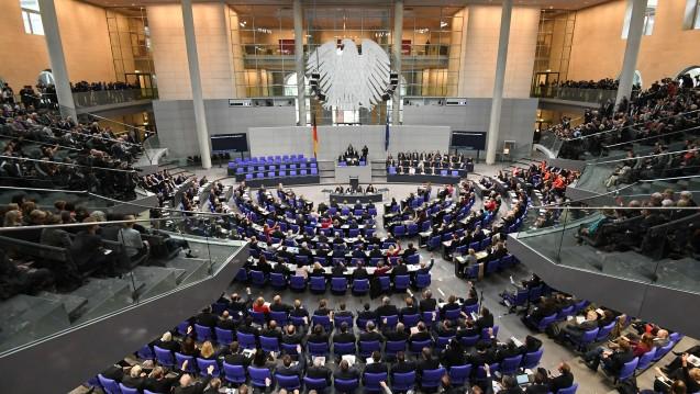 Übersicht über die konstituierenden Sitzung des 19. Deutschen Bundestages am 24.10.2017 im Plenarsaal im Reichstagsgebäude in Berlin. (Foto: Ralf Hirschberger / dpa)