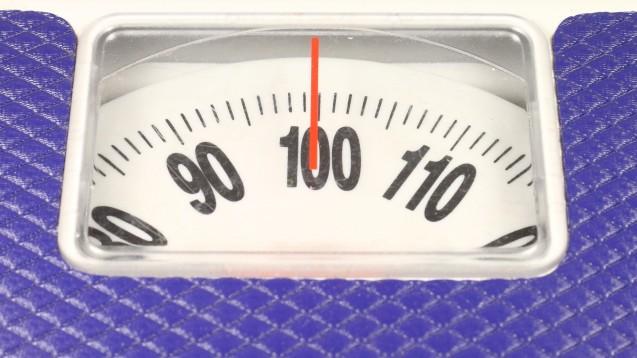 Cochrane-Review zur Gewichtsabnahme bei Kindern und Jugendlichen mit starkem Übergewicht: Wenig Verlust, wenig Aussagekraft der Studien.(Foto: Dmitry Vereshchagin / Fotolia)