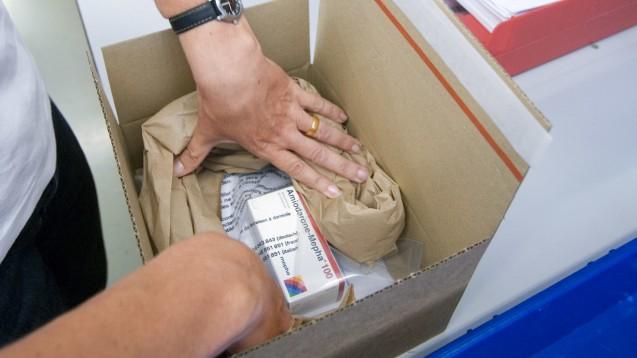 Ein Hinweis auf Wechselwirkungen im Paket? Bei vielen Versandapotheken sucht man den vergeblich. (Foto:Picture-Alliance / KEYSTONE)