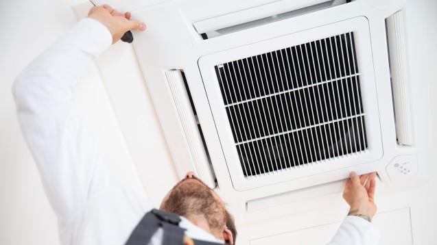 Ist Ihre Klimaanlage an eine Frischluftzufuhr angeschlossen? Und wann wurde sie zuletzt gewartet? (x / Foto: Wellnhofer Designs / stock.adobe.com)