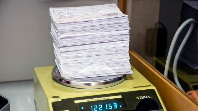 Die ABDA begrüßt die Absicht, die geplante Treuhandkonten-Pflicht für Apothekenrechenzentren. (Foto: Schelbert)