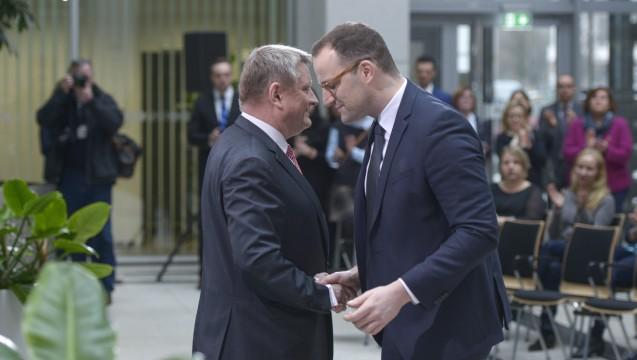 Gröhe übergibt an Spahn: Jens Spahn übernimmt die Geschäfte im Bundesgesundheitsministerium. (Foto: Külker)