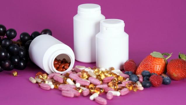 Am häufigsten kaufen die Deutschen Nahrungsergänzungsmittel mit Vitamin C oder mit Magnesium. (s / Foto: cirquedesprit / stock.adobe.com)