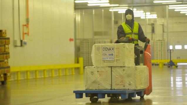Der mit Moderna vereinbarte Vorverkaufsvertrag sieht bis zu 500 Millionen Dosen vor. Die Einführung mit 34 Millionen Dosen wird jedoch erst im vierten Quartal dieses Jahres beginnen. Der Großteil wird erst im nächsten Jahr verfügbar sein.(b/Symbolfoto: IMAGO / Xinhua)