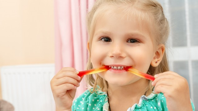 Helmex Suspension darf bereits bei Kindern an sechs Monaten mit Wurmbefall eingesetzt werden. (Foto: oles_photo / Fotolia)