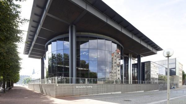 """CDU will """"räumlich flexible Apotheken"""", FDP Versender mit """"Notfalldienst"""""""