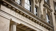 Der Verfassungsgerichtshof in Wien hat sich erneut nicht im Detail mit der Frage befasst, ob der Apothekenvorbehalt für rezeptfreie Arzneimittel mit dem österreichischen Verfassungsrecht vereinbar ist. (Foto: VfGH / Achim Bieniek)