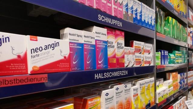 Die Schweiz hat im Zuge der Coronavirus-Pandemie die Heimlieferung von OTC-Arzneien gelockert. ( r / Foto: imago images / Geisser)