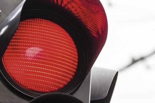 Rote Ampel für das rote Auge