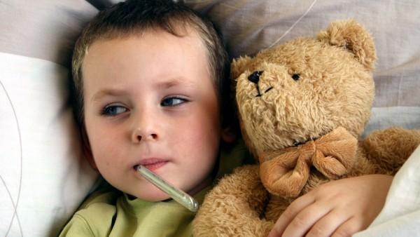 Trifft die aktuelle Grippewelle vor allem Kinder?