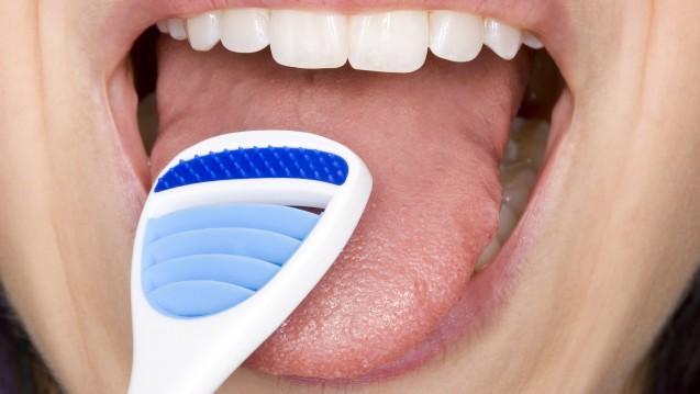 Am 25. September ist Tag der Zahngesundheit. Zu letzterer trägt auch die Zungenreinigung bei. (Foto:Christoph Hähnel / Fotolia)