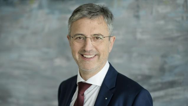 """AOK-Chef Martin Litsch sagt: """"Der richtige Ort für die Einbindung und Übermittlung des E-Rezeptes an die Versicherten sind die bereits bestehenden Apps der Krankenkassen."""" (Foto: AOK Bundesverband)"""