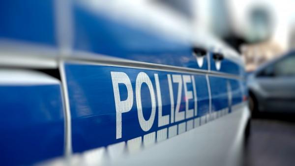 Polizisten durchsuchen Apotheken in Hamburg