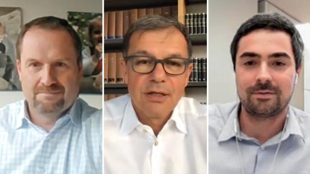 Die Rechtsanwälte Dr. Morton Douglas und Dr. Rainer Eckert im Gespräch mit DAZ-Chefredakteur Dr. Armin Edalat (v.l.n.r.). (Foto: DAZ.online)