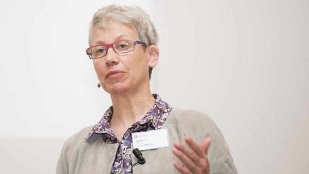 Vom Bundestag zur Barmer: Seitdem Biggi Bender nicht mehr im Bundestag sitzt, berät sie die Barmer GEK und ist für die Versandapotheken tätig. (Foto: P. Külger/DAZ)