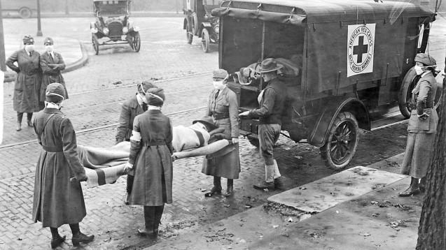 Es scheint einen deutlich sichtbaren Unterschied in den Konsequenzen der Influenza von 1918 und der aktuellen Pandemie zu geben: Blutgerinnsel in Lungen-Autopsien. (rh / Foto: imago images / ZUMA Wire)