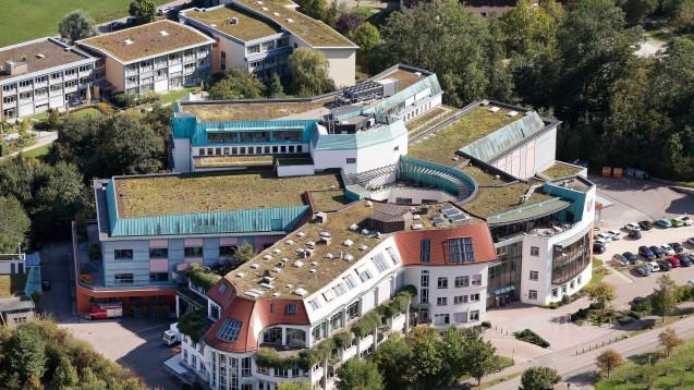 Luftaufnahme des Hauptgebäudes in Bad Boll.