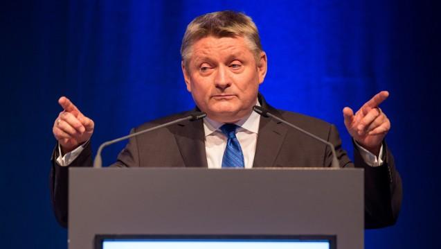 Scharfe Kritik: In seiner Rede auf dem Deutschen Apotheker ging Bundesgesundheitsminister Hermann Gröhe (CDU) hart ins Gericht mit den Krankenkassen und der SPD-Bundestagsfraktion. (Foto: Schelbert)