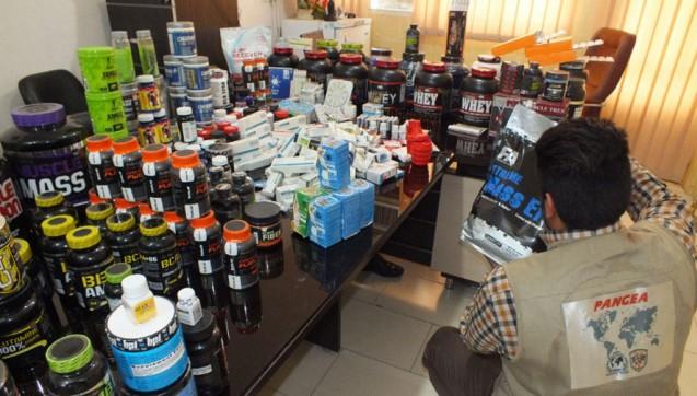 Scheinbare Online-Apotheken und offensichtlich illegale Anbieter verschicken gefälschte Arzneien weltweit. Nun wurden wieder zahlreiche Sendungen sichergestellt. (alle Fotos: Interpol)