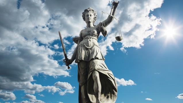 Die Rezeptsammlung einer Apothekerin im Supermarkt könnte vor dem Bundesverwaltungsgericht landen. (br / Foto: eyeQ / Stock.adobe.com)