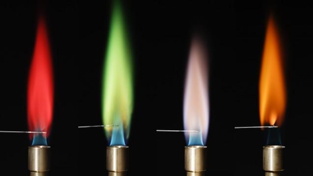 Dieses Farbenspiel erinnert Sie bestimmt an die im Labor im Rahmen der Analytischen Chemie verbrachten Stunden! (Foto:GIPhotoStock / SCIENCE PHOTO LIBRARY)