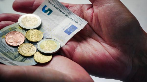 Mindestlohn steigt in zwei Stufen auf 9,35 Euro