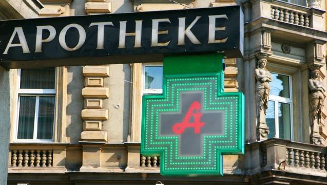 Versandkritiker in der Alpenrepublik: Österreichs Apothekenmarkt ist streng reguliert. Nur sehr selten werden neue Apotheken eröffnet. (Foto: dpa)