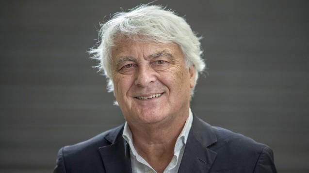 Professor Gerd Glaeske gehört zu dem sechsköpfigen Autorenteam des Thesenpapiers zur SARS-CoV-2-/COVID-19-Pandemie. (b/Foto: Raphael Hünerfauth)