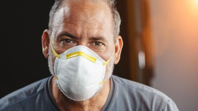 Personen ab 60 Jahren sowie solche mit bestimmten Vorerkrankungen sollen im Dezember mit FFP2-Masken für den Winter versorgt werden. (c / Foto:AA+W / stock.adobe.com)