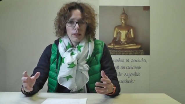 Ann-Katrin Kossendey liest Minister Gröhe und der ABDA die Leviten. (Screenshot: Youtube)