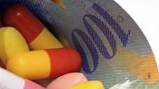 Mehr Kompetenzen für Apotheker in der Schweiz: Arzneimittel dürfen zum Beispiel in manchen Fällen auch ohne Rezept abgegeben werden. (Foto: Schlierner / Fotolia)