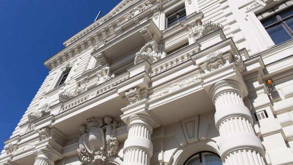 Gericht: Lunapharm darf weitermachen – vorerst