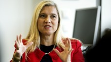 Für die bayerische Gesundheitsministerin Melanie Huml kommt in Sachen EuGH-Urteil nur ein Rx-Versandverbot infrage. (Foto: dpa)