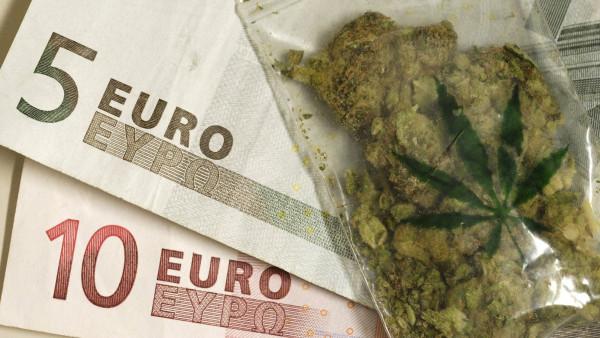 """Sind Cannabisblüten tatsächlich oder """"gefühlt"""" zu teuer?"""