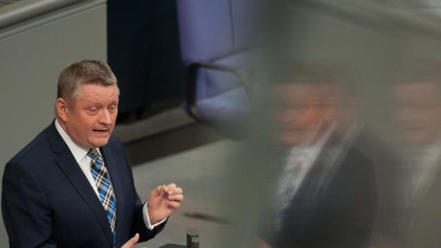 Im Unions-Team: Bundesgesundheitsminister Hermann Gröhe (CDU) nimmt an den Sondierungsgesprächen mit FDP und Grünen teil. (Foto: dpa)