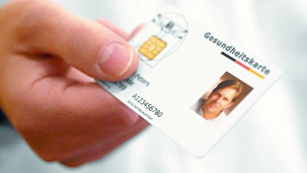 Gröhe will elektronische Gesundheitskarte nicht aufgeben